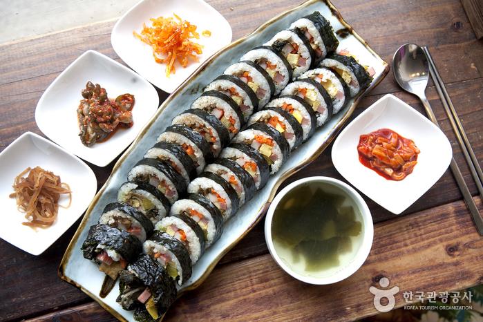 朝鮮海苔飯捲(조선김밥)