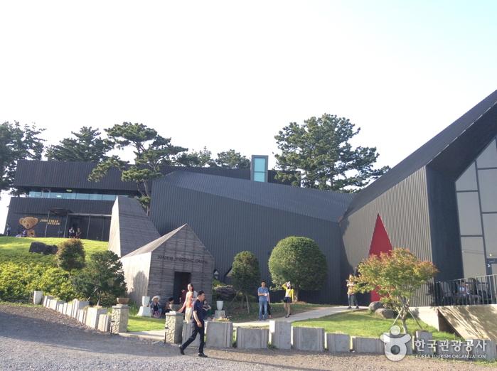 Joanne Bear Museum (조안베어뮤지엄)