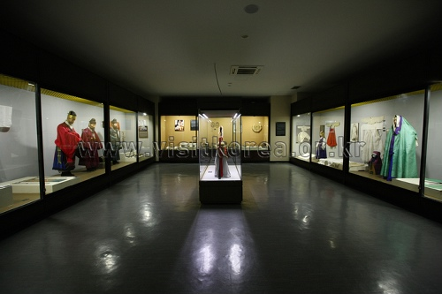 温阳民俗博物馆(온양민속박물관)