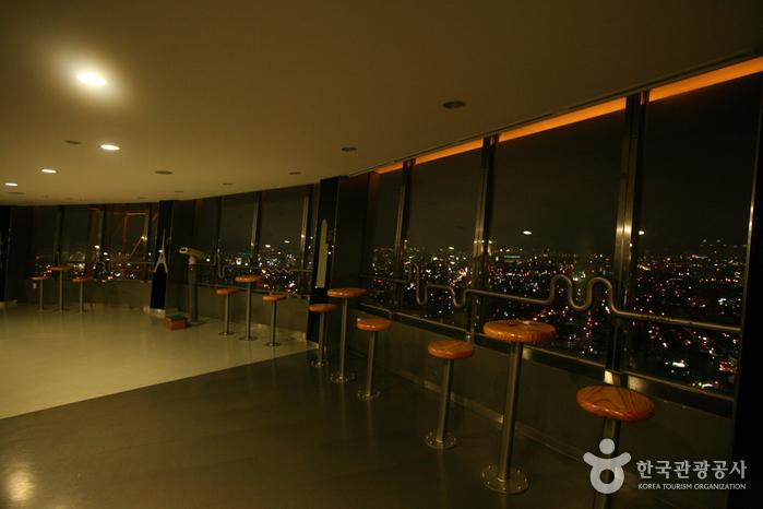 E-World 83 Tower (이월드 83타워)