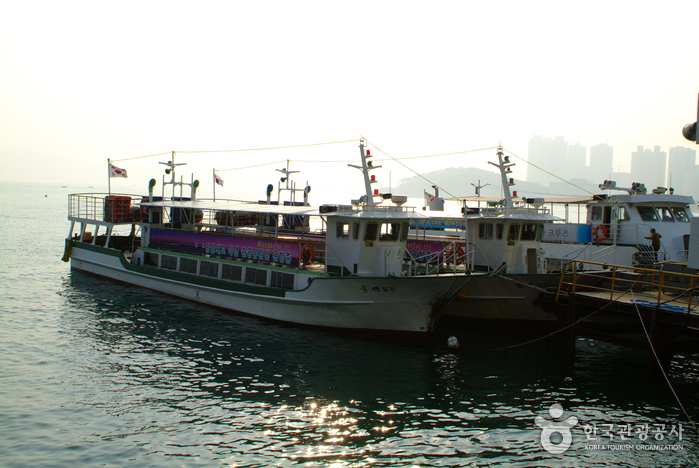 Haeundae Cruise Boat (  )