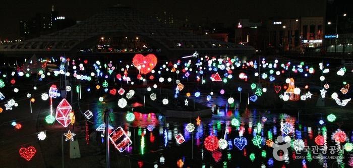 오색빛축제와 문화 콘텐츠가 어우러진 겨울 여행지, 대전 원도심 여행