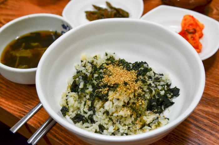 정선의 향토음식인 곤드레밥