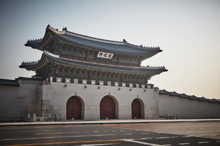 Ворота Тэханмун во дворце Токсугун (덕수궁 대한문)14