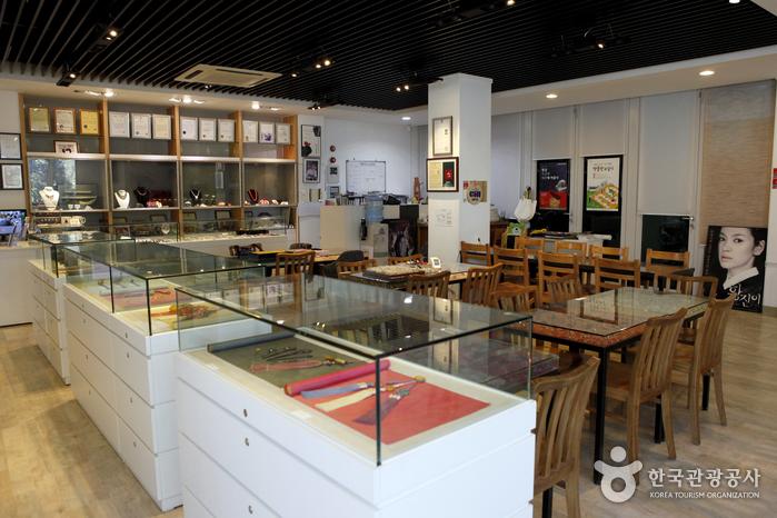 Museo de Joyería de Corea Byeokbong (벽봉한국장신구박물관)