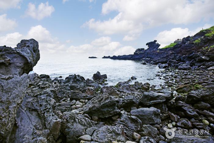 龙头岩용두암