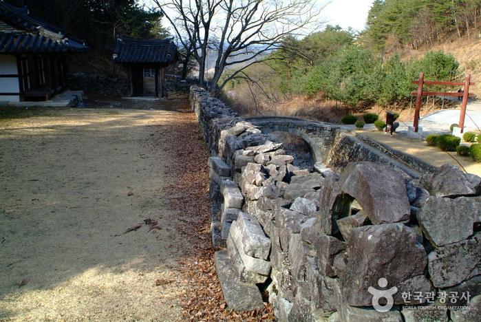 Гробница короля Кухёна (산청 전 구형왕릉)6