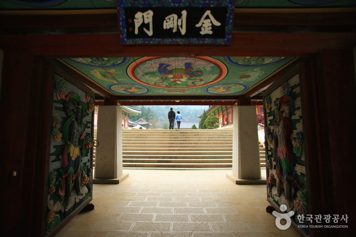 Woljeongsa Temple ( )