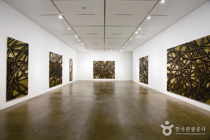 Kukje Gallery (국제갤러리)