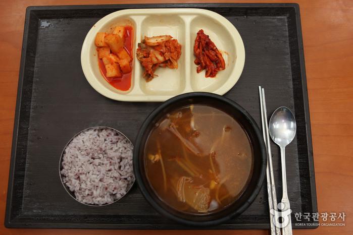부담없이 속을 채울 수 있는 국밥류