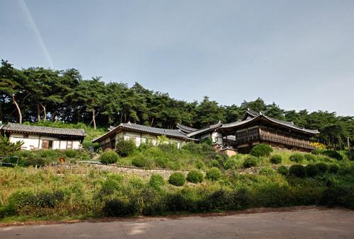 Andong Gotaek Isangru (Taejangtaesa of the Andong Kim Clan)(안동고택 이상루) [한국관광품질인증/Korea Quality]