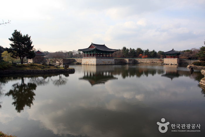 Gyeongju Donggung Palace and Wolji Pond (경주 동궁과 월지, 안압지)