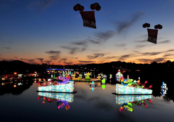 晉州南江流燈節(진주남강유등축제)2