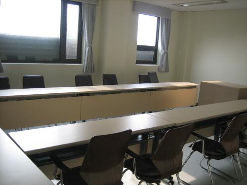 弘益大學國際語言教育院(홍익대학교 국제언어교육원)
