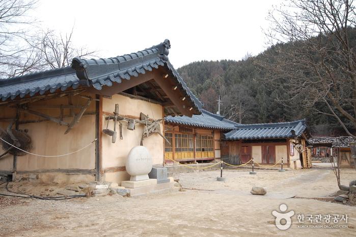 Родной дом Ли Хё Сока (이효석 생가터)10