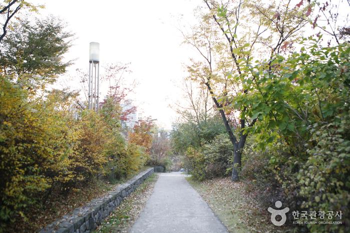 龙山家庭公园<br>(용산가족공원)
