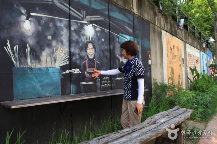 Улица имени музыканта Ким Кван Сока (김광석 길)15