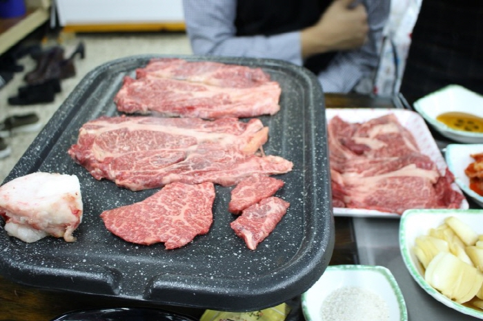Majang Meat Market (마장 축산물시장)