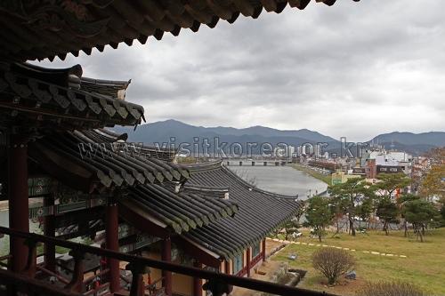 Yeongnamnu Pavilion (Miryang) (밀양 영남루)