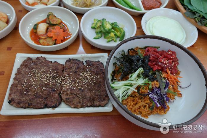 Songjeong Tteokgalbi - 1st branch (송정떡갈비 1호점)