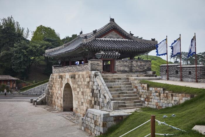 華西門(화서문)