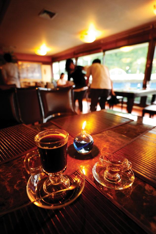 카페 이디오피아의 집 내부
