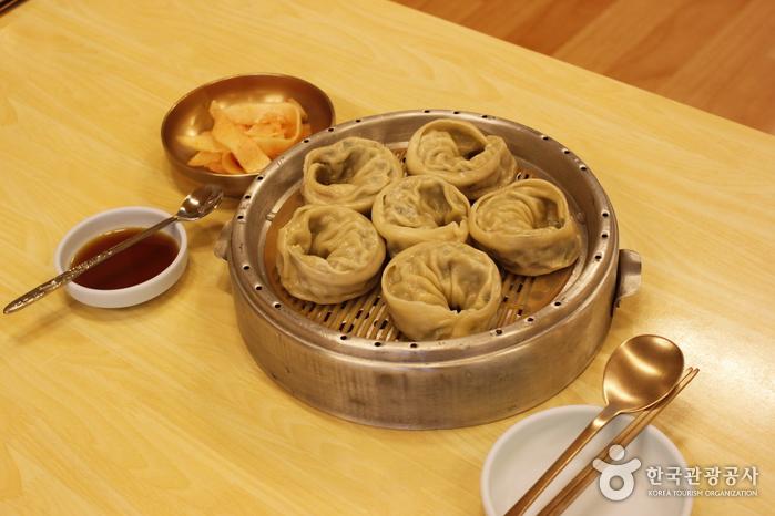 Gungjung Naengmyeon - Mukbap (궁나라냉면묵밥)
