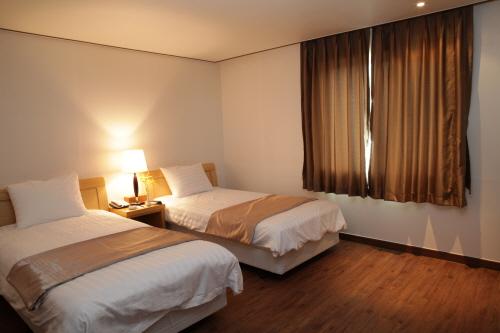 Haenam Ttangkkeut Hotel (해남땅끝호텔)