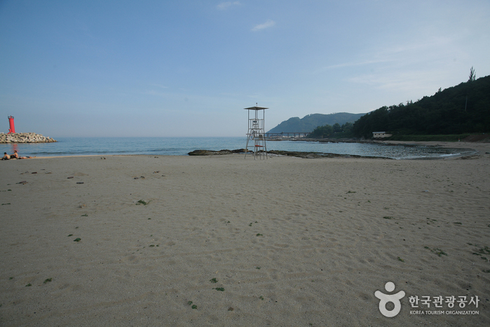 Gyeongjeong Beach ()