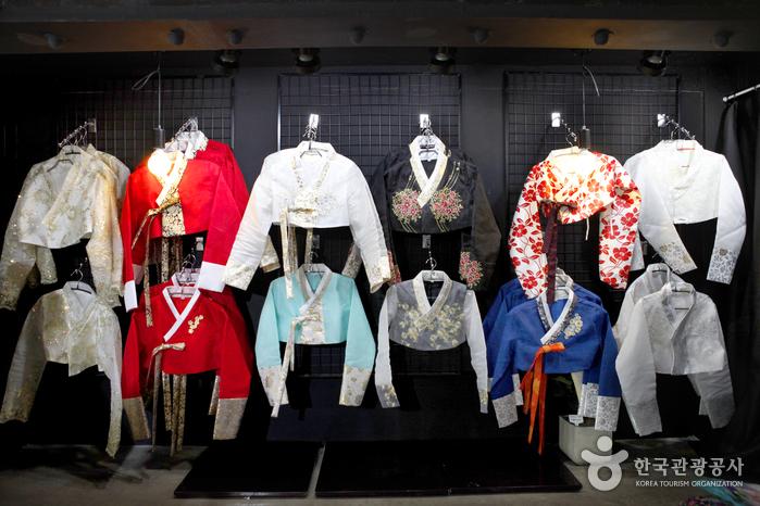 Hanboknam (한복남)