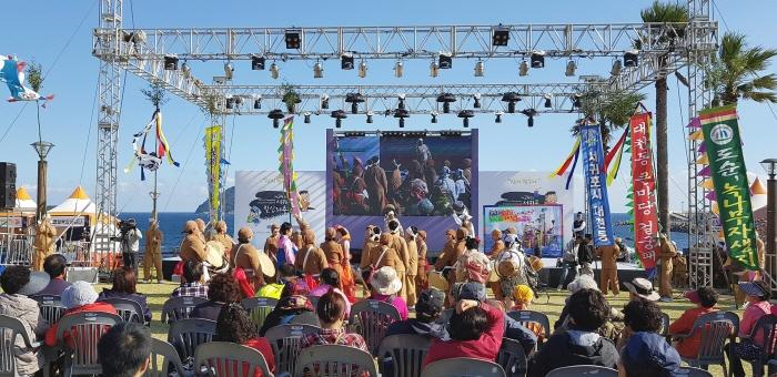 Фестиваль Чхильсимни в Согвипхо (서귀포 칠십리축제)