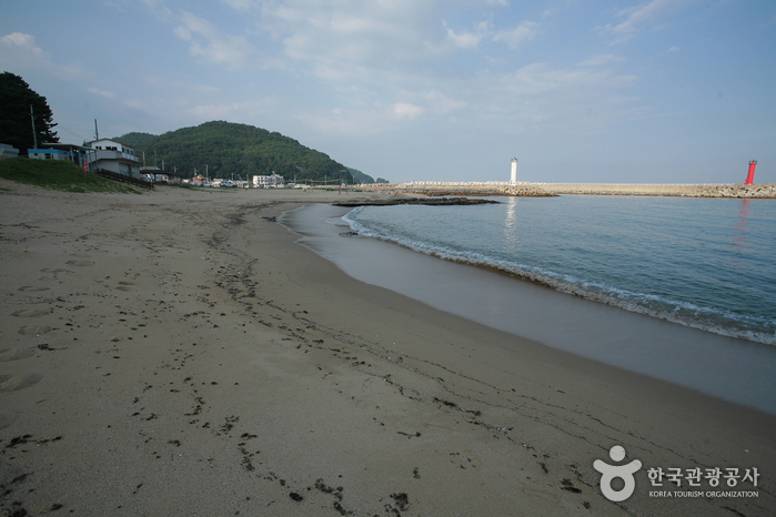 Gyeongjeong Beach (...