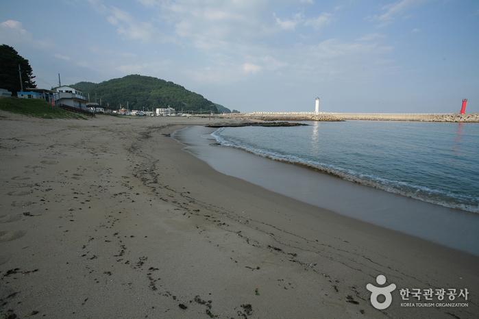Gyeongjeong Beach (경정해수욕장)