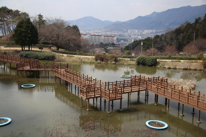 진해드림파크 야외연못