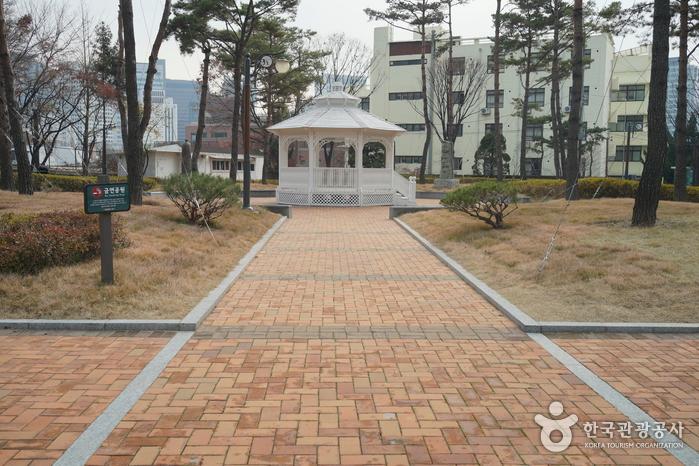 Здание бывшей русской дипломатической миссии в Корее5