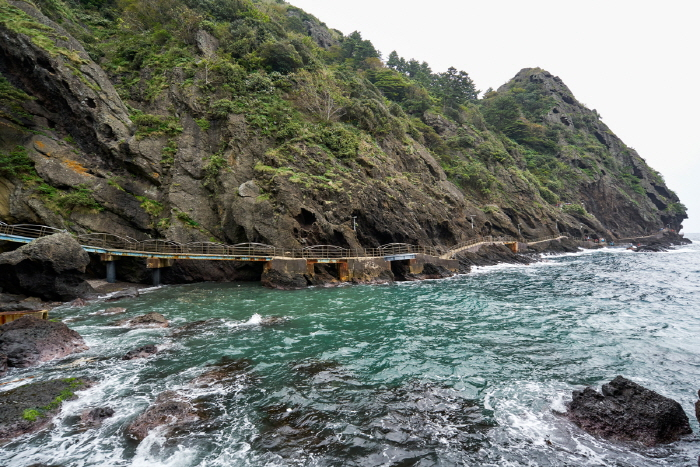 Haengnam Coastal Walking Path (행남 해안산책로)