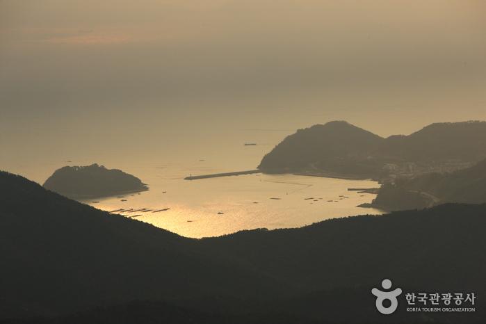 閑麗海上国立公園(閑麗水道)(한려해상국립공원(한려수도))