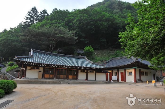 净岩寺(정암사)