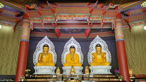 Буддийский храм Хонпопса в Пусане (홍법사 (부산))7