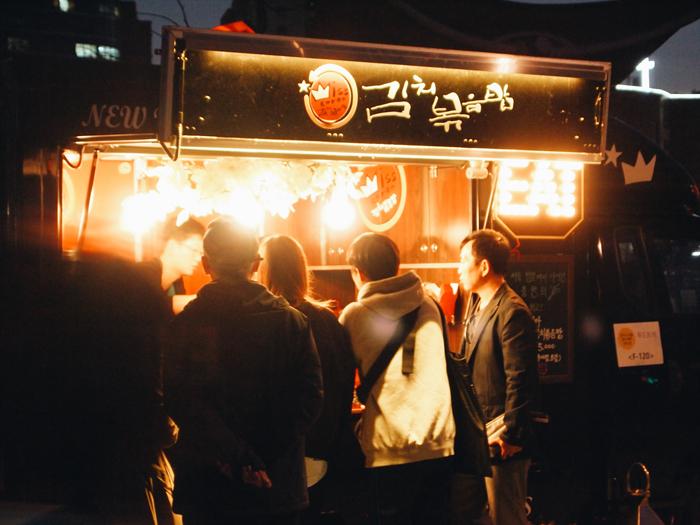 ソウルパムトッケビナイトマーケット(서울 밤도깨비 야시장)