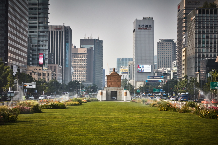 King Sejong Statue (세종대왕 동상)