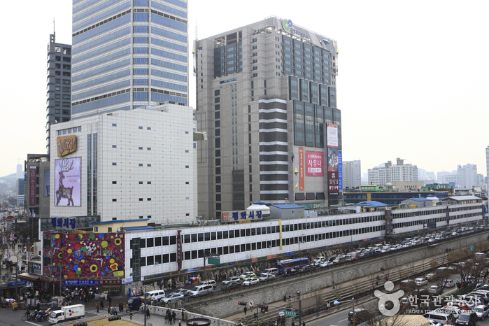 Dongdaemun Shopping Complex  Dongdaemun Shopping Town ( )