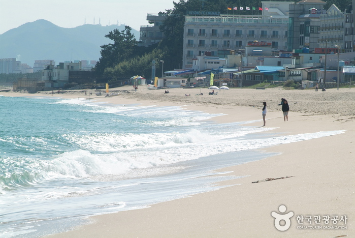Gangneung Gyeongpo B...