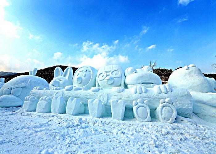 名品七甲山冰柱喷泉庆典<br>(名品 칠갑산얼음분수축제)
