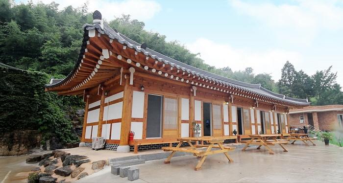 Suncheonman Minsok Hanok Pension (Suncheonman Folk Hanok Pension) (순천만민속한옥펜션)[한국관광품질인증제/ Korea Quality]