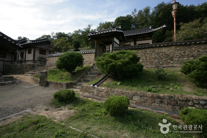 Imcheonggak House (임...