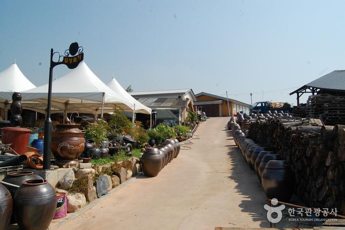 Деревня гончарных изделий на горе Вегосан (외고산옹기마을)27