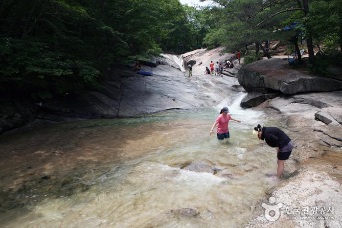 Yongchu-Tal Daeyasan (대야산 용추계곡)
