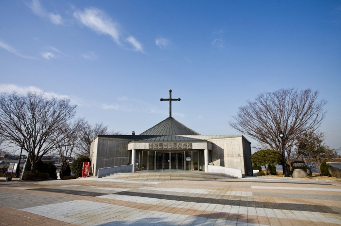 Aeyangwon Church - Reverend Son Yangwon Martyr Memorial Hall) (애양원 - 손양원목사 순교기념관)