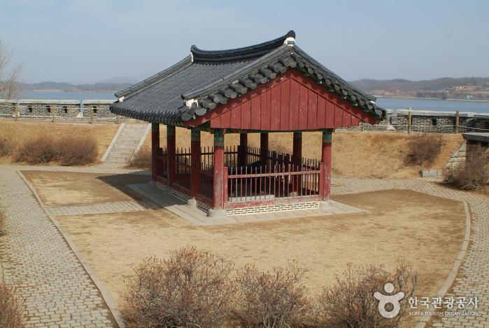 Ganghwa Chojijin Fortress (강화 초지진)